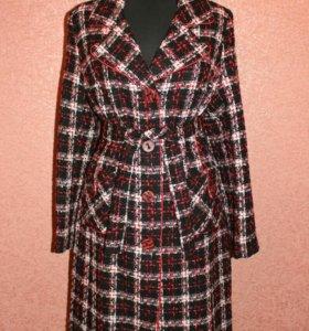 Элегантное пальто в стиле Chanel