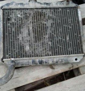 Радиатор на Ниссан Ванетт 1983г.в.