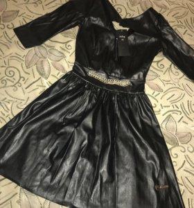 Платье экокожа новое