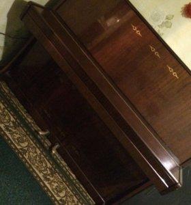 Музыкальный инструмент, пианино