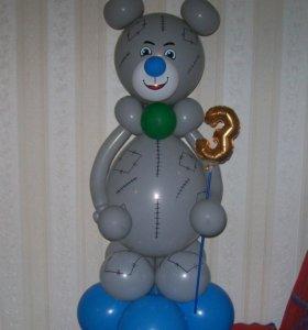 мишка из шаров.гелиевые шары от 20