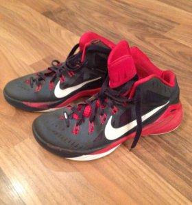 Кроссовки Nike б/у