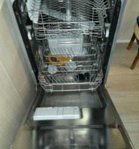Посудомоечная машина Electrolux ESL44500R