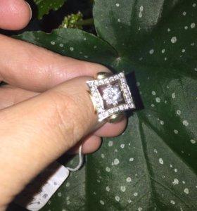 Кольцо бриллиантовое