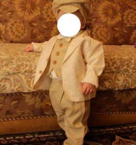Костюм тройка фирмы Krasnal на мальчика 1 годик