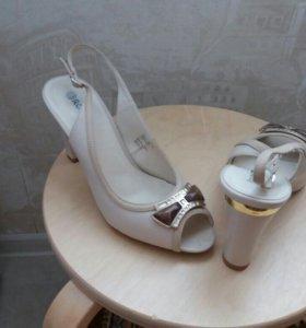 Туфли-босоножки 39-40