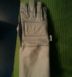 Перчатка фехтовальная