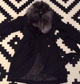 Пальто с воротником из чернобурки