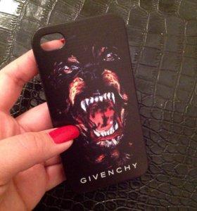 Новый чехол Givenchy на iPhone