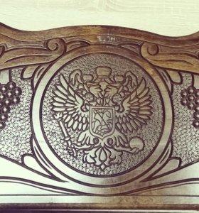 Резные нарды ручной работы из дерева.