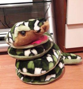Большая мягкая игрушка змея