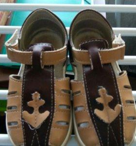 Продам сандалики детские
