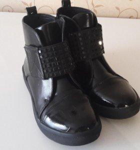 Новые Ботинки женские 34р-р