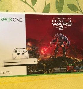 XBOX One 1 TB Halo Wars 2