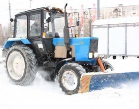 Уборка снега, вывоз мусора.