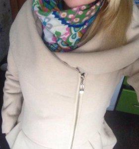 Пальто тёплое демисезонное