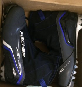 Лыжные ботинки (Fischer-42размер)