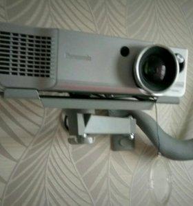 Проектор Panasonic pt-ae900e