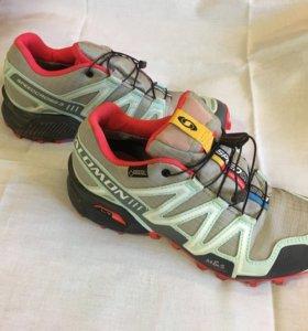 Зимние женские кроссовки Salomon Speedcross 3