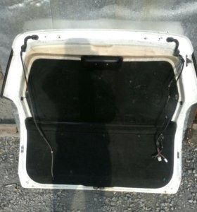 Дверь на багажник