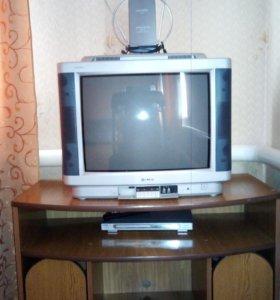 Телевизор с тумбой,антенной и DVD плеером
