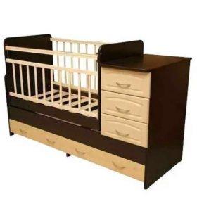 Кроватка детская с маятником и комодом