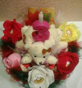 Торт-игрушка с конфетами