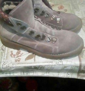 Ботинки женские р36