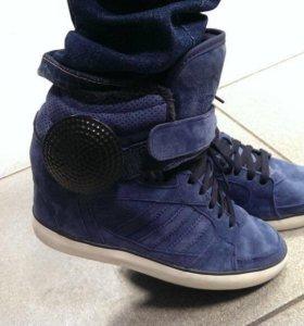 Кроссовки Adidas зима