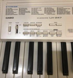 Синтезатор Casio, почти новый, только без коробки