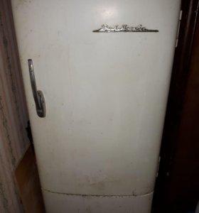 Холодильник ЗИЛ - 1958 год