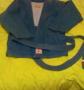 Куртка для занятий дзюдо и самбо.