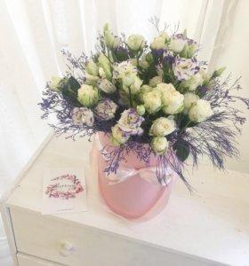 Цветы в шляпной коробке ,букет