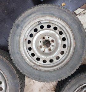 3 шипованных колеса на Калину