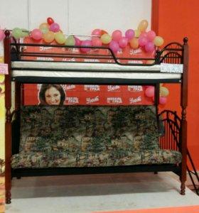 Двухъярусная кровать-диван.