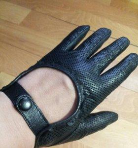 Перчатки из тонкой кожи+ подарок