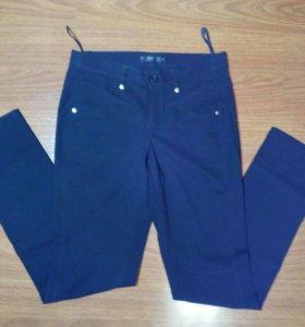 новые брюки 44-46 облегающие