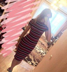 Новое платье длинное в обтяжку, полоска