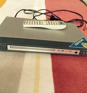DVD BBK с караоке микрофон в комплекте