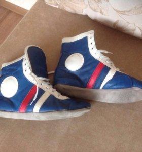 Обувь для занятий самбо.