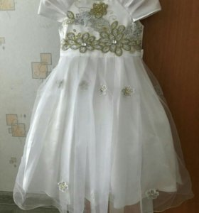 Платье детское,б/у