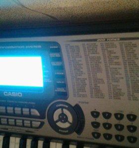Синтезатор СТК-651 б.у