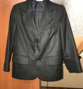 Пиджак для школы, для первоклассника