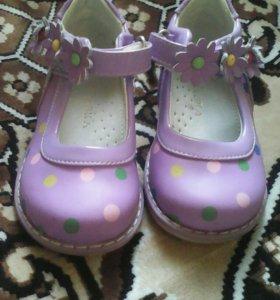 Обувь на девочек.