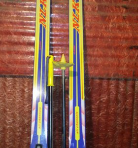 Лыжи детские 160см.с палками 100см.