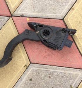 Педаль газа,мазда 3,2011г