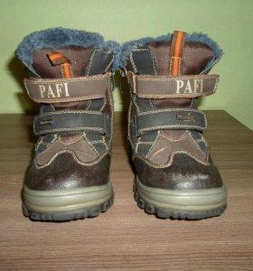 Ботинки зимние для мальчика Размер 26-27.