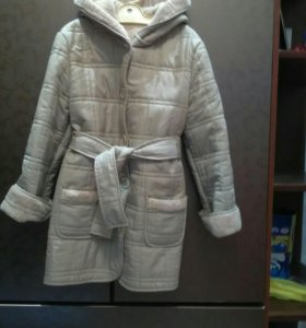 Пальто осеннее 7-9 лет.