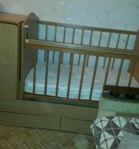 Срочно Продам детскую кроватку трансформер