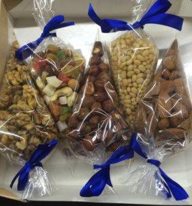 Подарки из орехов и сухофруктов